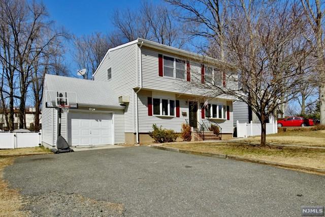 1090 Arlington Road, New Milford, NJ 07646 (#1809767) :: Group BK