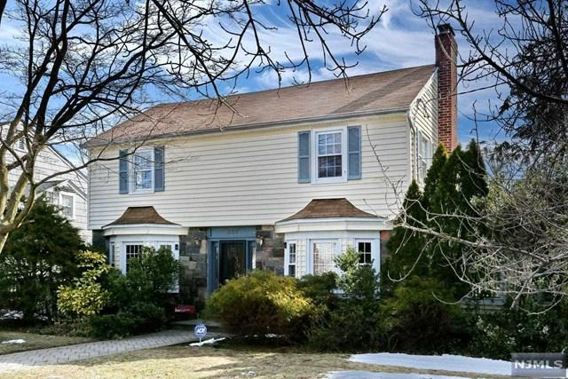201 Walthery Avenue, Ridgewood, NJ 07450 (MLS #1810968) :: William Raveis Baer & McIntosh