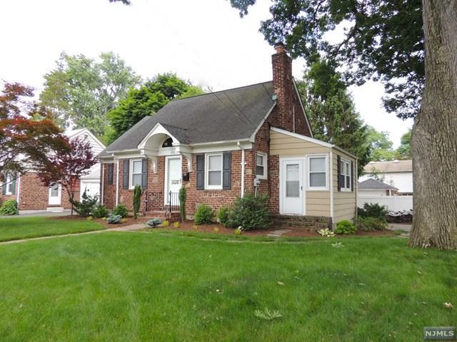 834 Palmer Avenue, Maywood, NJ 07607 (MLS #1823546) :: The Dekanski Home Selling Team