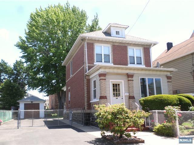 98 Fulton Avenue, Fairview, NJ 07022 (MLS #1823670) :: William Raveis Baer & McIntosh