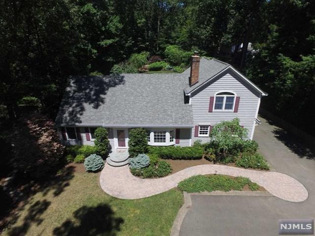 1011 E Glen Avenue, Twp Of Washington, NJ 07676 (#1828440) :: RE/MAX Properties