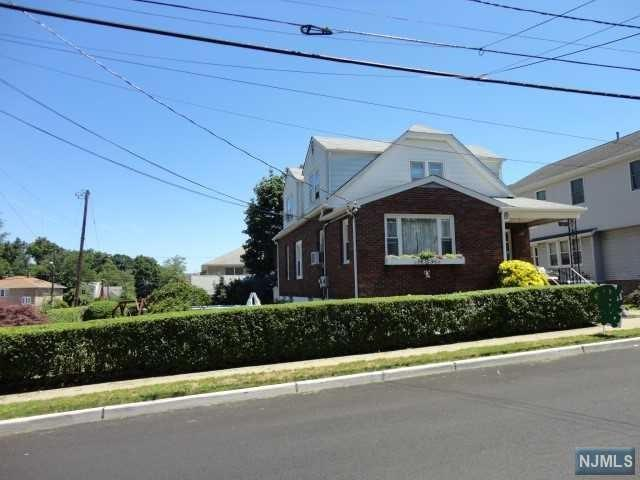 60 Hobart Place, Totowa, NJ 07512 (#1828447) :: Group BK