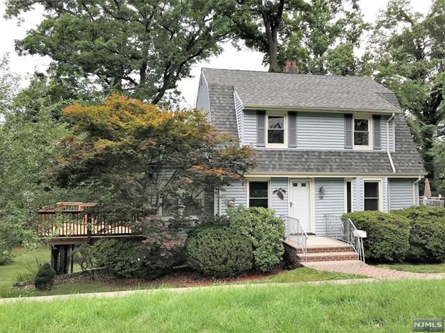18 Westmoreland Avenue, Montvale, NJ 07645 (MLS #1832576) :: The Dekanski Home Selling Team