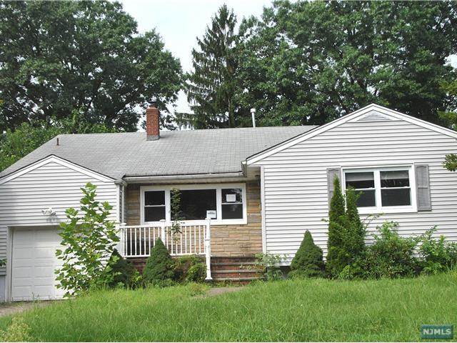 536 Plympton Street, New Milford, NJ 07646 (#1832999) :: Group BK