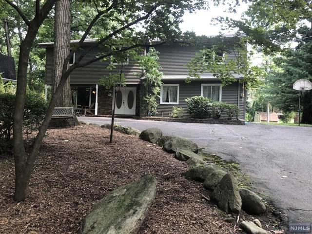 18 Bear Brook Road, Park Ridge, NJ 07656 (#1833096) :: Group BK