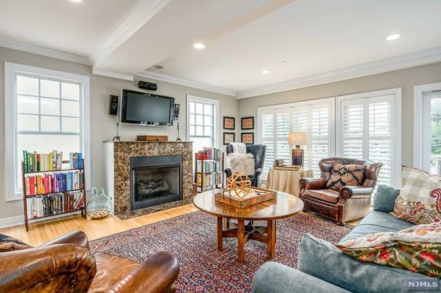 44D River Edge Road, River Edge, NJ 07661 (MLS #1840486) :: The Dekanski Home Selling Team
