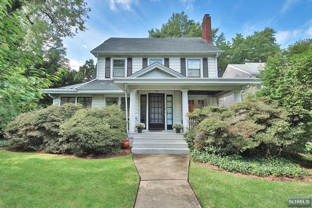 118 Glenwood Avenue, Leonia, NJ 07605 (MLS #1840503) :: The Dekanski Home Selling Team