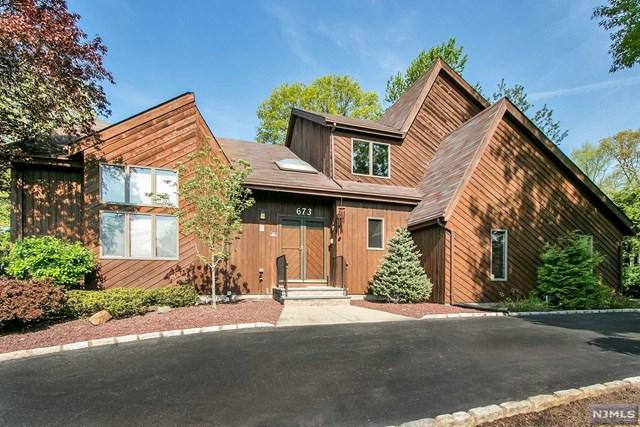 673 Alexander Court, River Vale, NJ 07675 (MLS #1841419) :: William Raveis Baer & McIntosh