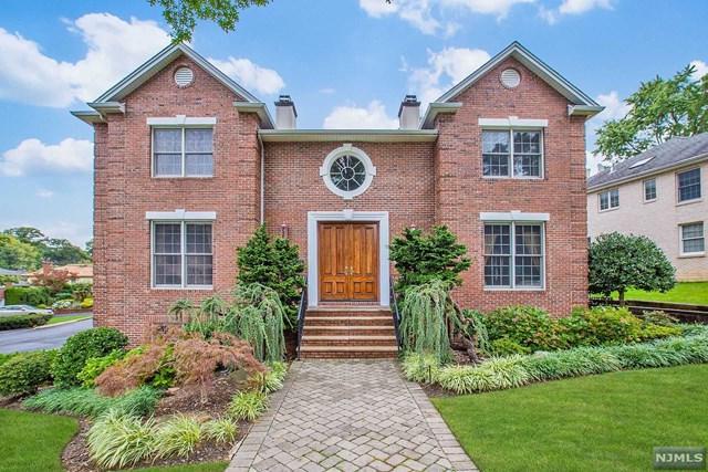 61 Toni Drive, Englewood Cliffs, NJ 07632 (MLS #1841906) :: The Dekanski Home Selling Team