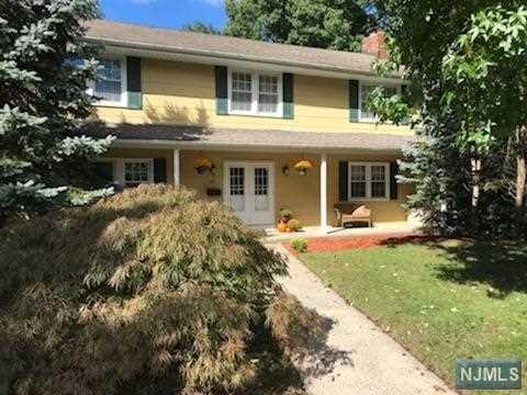 40 Dale Court, Norwood, NJ 07648 (MLS #1842328) :: William Raveis Baer & McIntosh