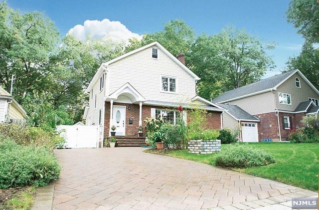 780 5th Avenue, River Edge, NJ 07661 (MLS #1842440) :: The Dekanski Home Selling Team