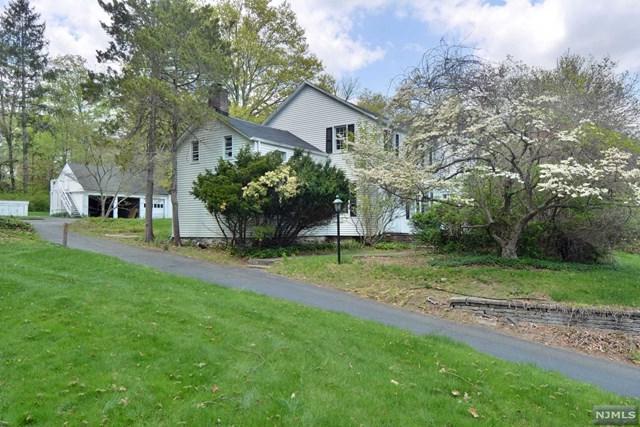489 W Saddle River Road, Upper Saddle River, NJ 07458 (MLS #1843123) :: William Raveis Baer & McIntosh