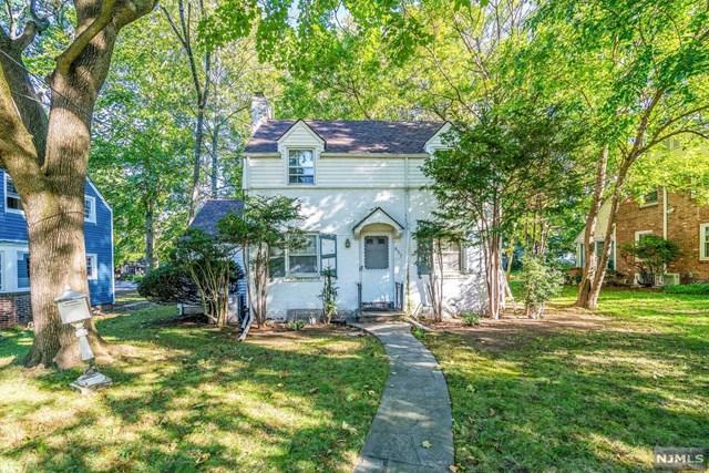 657 Beverly Road, Teaneck, NJ 07666 (MLS #1843165) :: The Dekanski Home Selling Team