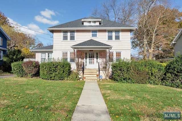 61 Oakdene Avenue, Teaneck, NJ 07666 (#1847144) :: Group BK