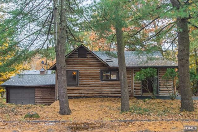 66 Mohawk Trail, Wayne, NJ 07470 (MLS #1847640) :: William Raveis Baer & McIntosh