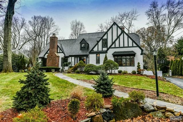 165 Pascack Road, Hillsdale, NJ 07642 (MLS #1848620) :: William Raveis Baer & McIntosh
