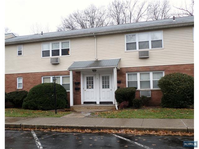 4B Lakeview Avenue 4B, Leonia, NJ 07605 (#1850582) :: Group BK