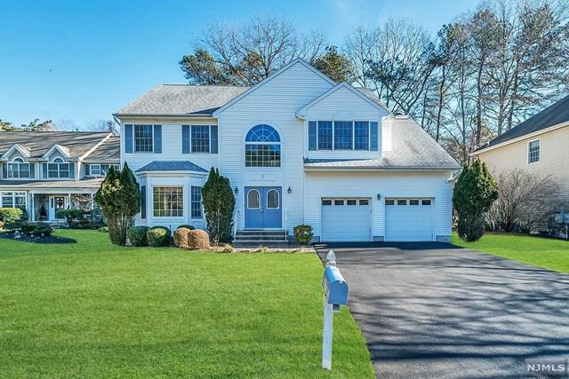 7 Dawn Drive, Emerson, NJ 07630 (MLS #1901689) :: William Raveis Baer & McIntosh