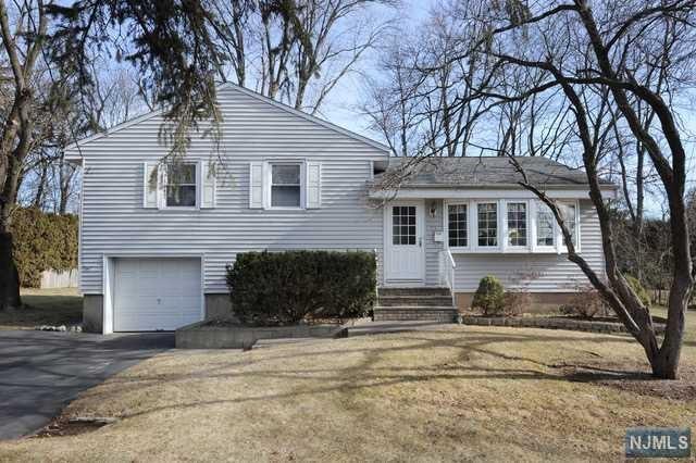 93 Arbor Drive, Ho-Ho-Kus, NJ 07423 (MLS #1906048) :: William Raveis Baer & McIntosh