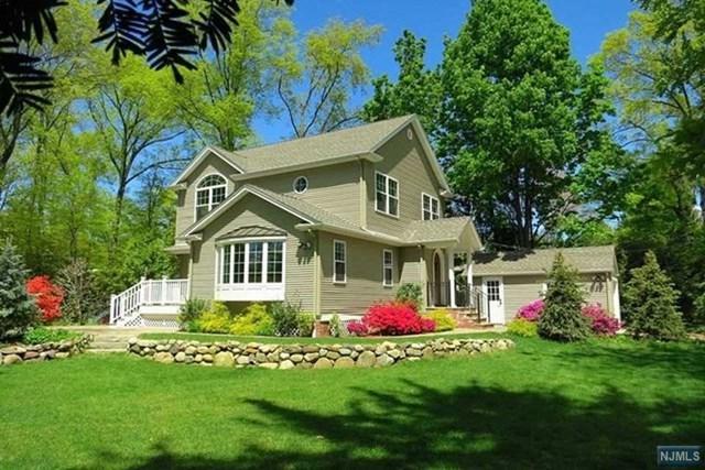 111 Clinton Avenue, New Milford, NJ 07646 (MLS #1908855) :: Team Francesco/Christie's International Real Estate