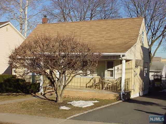 49 Falmouth Avenue, Elmwood Park, NJ 07407 (#1909991) :: Group BK