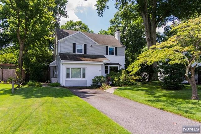 28 Windsor Road, Tenafly, NJ 07670 (MLS #1911367) :: Team Francesco/Christie's International Real Estate