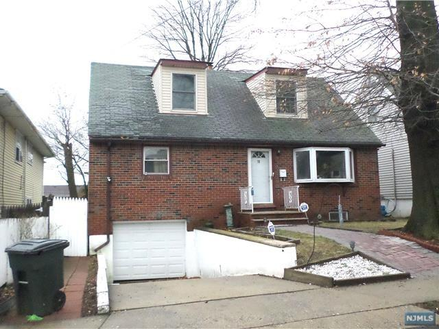 76 Larch Avenue, Bogota, NJ 07603 (#1911679) :: Berkshire Hathaway HomeServices Abbott Realtors