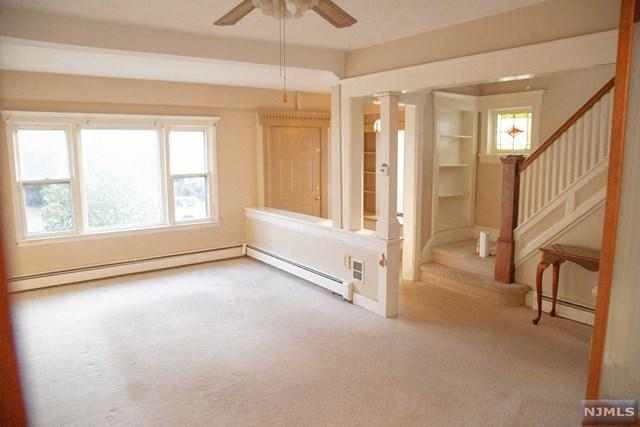 48 Hackensack Avenue, Ridgefield Park, NJ 07660 (#1911763) :: Berkshire Hathaway HomeServices Abbott Realtors