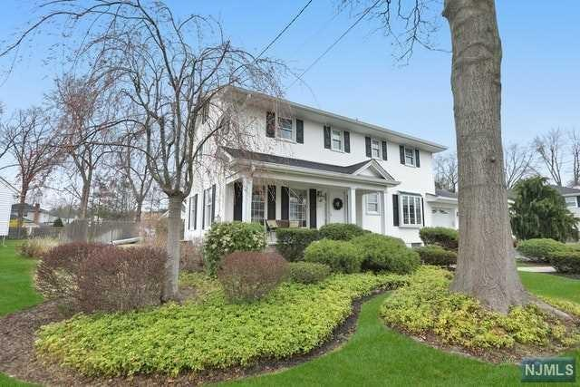 341 Webster Drive, New Milford, NJ 07646 (#1915903) :: Berkshire Hathaway HomeServices Abbott Realtors