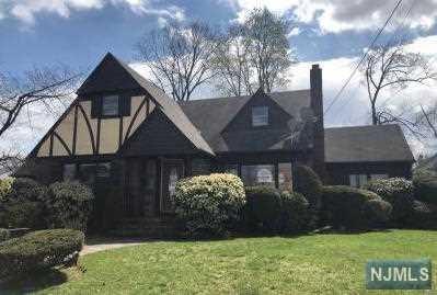 15-10 Bellair Avenue, Fair Lawn, NJ 07410 (#1917086) :: Berkshire Hathaway HomeServices Abbott Realtors