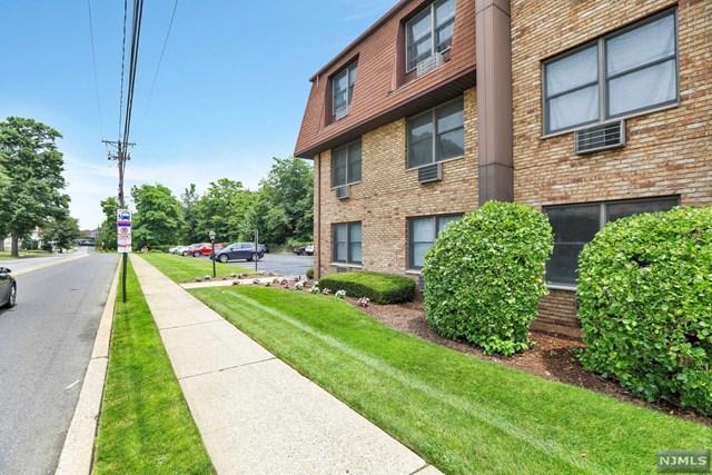 25 Market Street 2A, Saddle Brook, NJ 07663 (#1932348) :: NJJoe Group at Keller Williams Park Views Realty