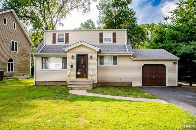 994 Oxford Lane, New Milford, NJ 07646 (#1933943) :: NJJoe Group at Keller Williams Park Views Realty