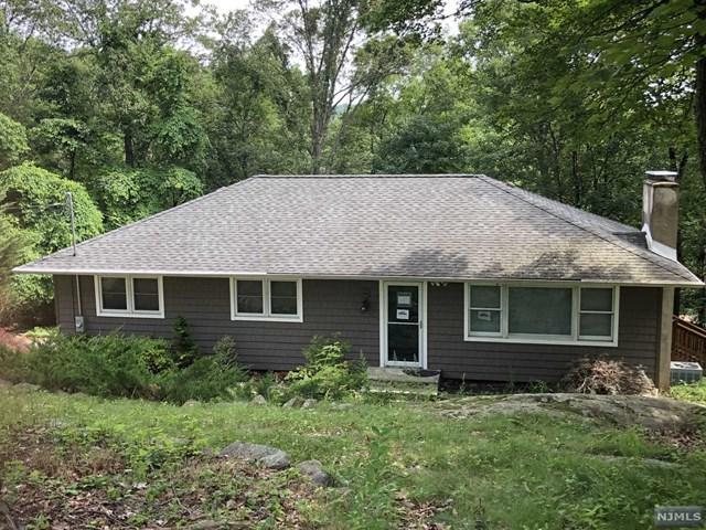 9 Pawnee Terrace, West Milford, NJ 07480 (#1933959) :: Group BK