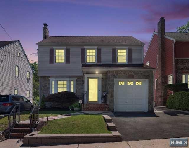 10 Oak Street, Nutley, NJ 07110 (MLS #1938305) :: William Raveis Baer & McIntosh