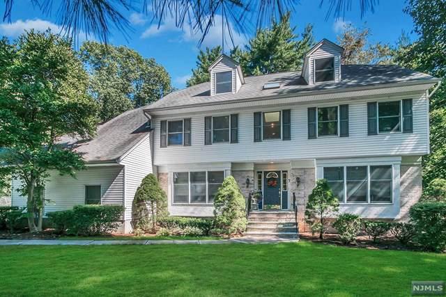 7 Woodcliff Avenue, Woodcliff Lake, NJ 07677 (MLS #1943773) :: William Raveis Baer & McIntosh