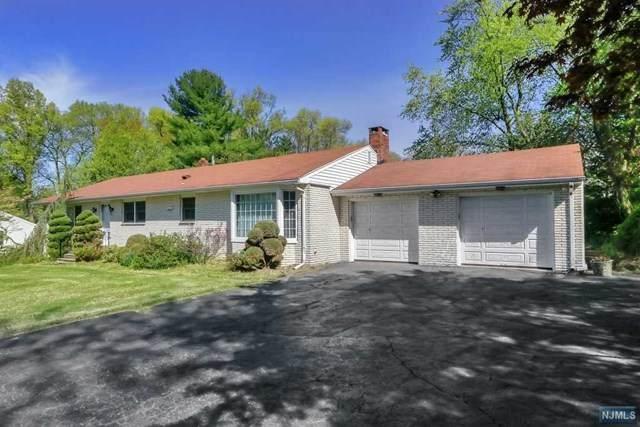 16 Old Tappan Road, Old Tappan, NJ 07675 (MLS #20011544) :: The Dekanski Home Selling Team