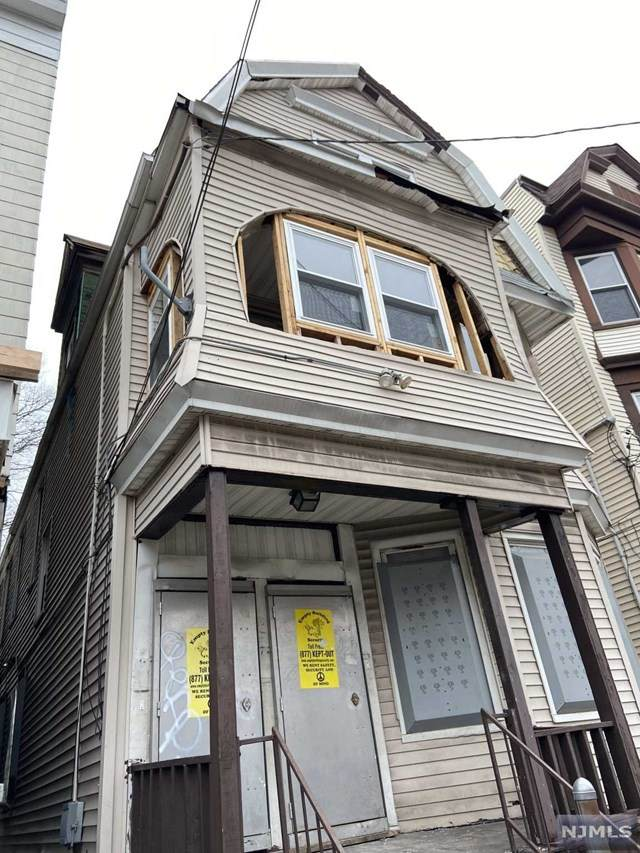 17 Grace Street, Irvington, NJ 07111 (MLS #20012361) :: The Dekanski Home Selling Team