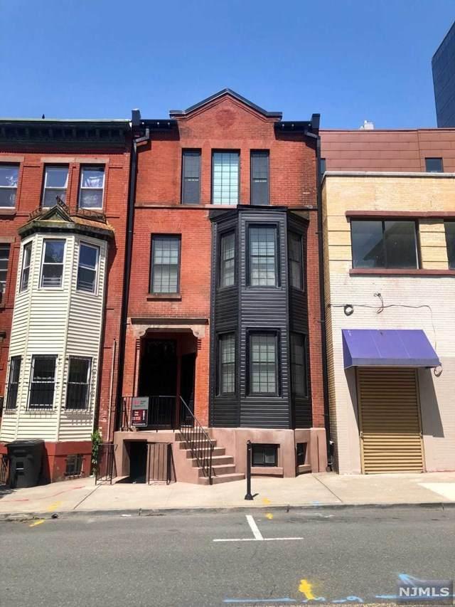 5 Warren Street - Photo 1