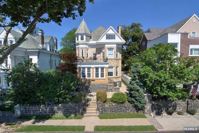 19 Hamilton Avenue - Photo 1