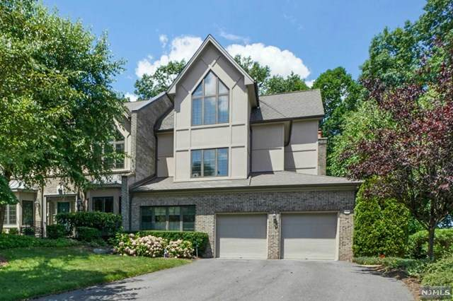 263 Hampshire Ridge, Park Ridge, NJ 07656 (MLS #20029123) :: The Lane Team