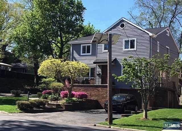 44 Irving Avenue, Englewood Cliffs, NJ 07632 (MLS #20038816) :: William Raveis Baer & McIntosh