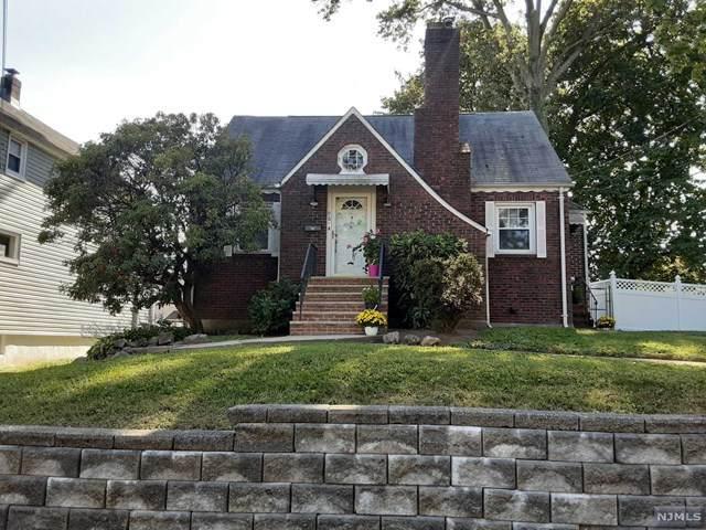 96 Washington Place, Teaneck, NJ 07666 (MLS #20039608) :: Team Francesco/Christie's International Real Estate