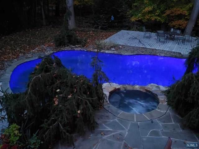 36 Cambridge Drive, Allendale, NJ 07401 (MLS #20042245) :: Kiliszek Real Estate Experts