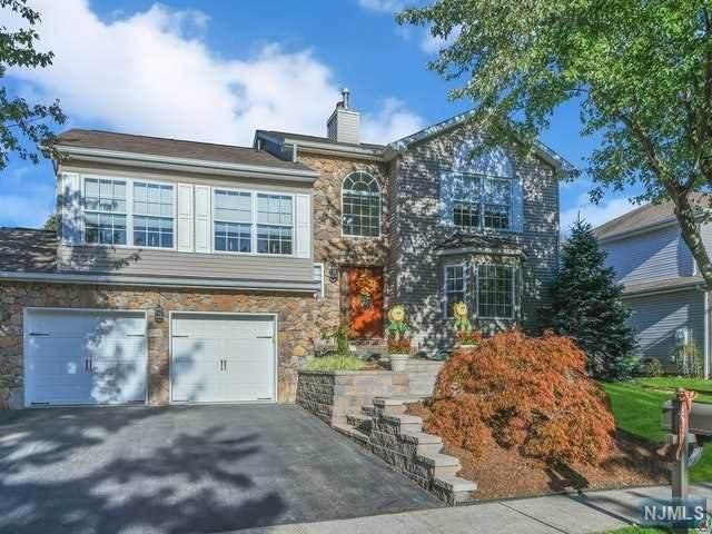 770 Manchester Way, Paramus, NJ 07652 (MLS #20043645) :: Provident Legacy Real Estate Services, LLC