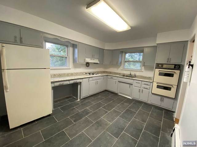 581 Carpenter Place - Photo 1