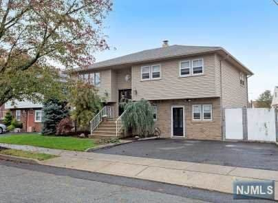 4 Branca Court, Lodi, NJ 07644 (MLS #20044706) :: The Dekanski Home Selling Team
