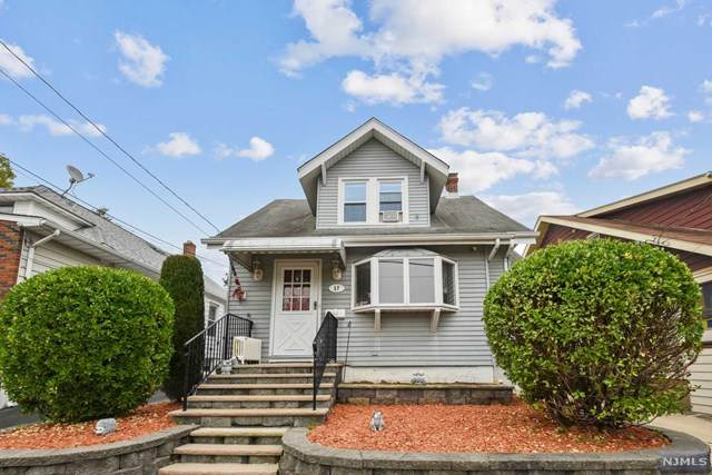 17 Byron Place, Clifton, NJ 07011 (MLS #20045574) :: Kiliszek Real Estate Experts