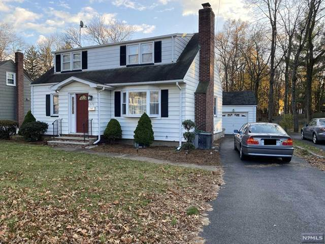 572 Grove Street, Ridgewood, NJ 07450 (MLS #20049565) :: Kiliszek Real Estate Experts