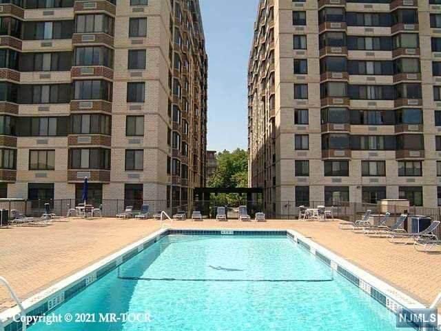 326 Prospect Avenue 2K, Hackensack, NJ 07601 (MLS #21001037) :: William Raveis Baer & McIntosh