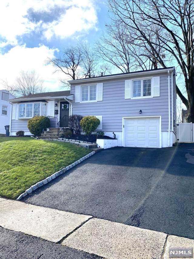 443 Maple Hill Drive, Hackensack, NJ 07601 (MLS #21001133) :: William Raveis Baer & McIntosh